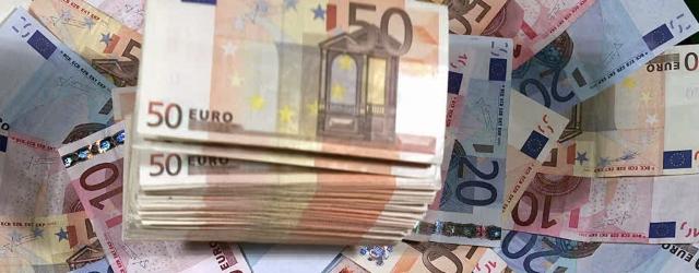 983706158-billet-de-10-euros-billet-de-20-euros-billet-de-50-euros-liasse-de-billets_(1)