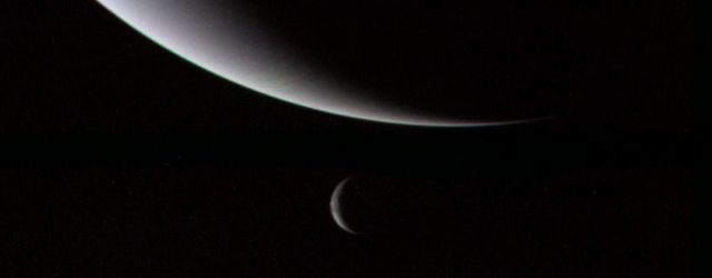 Voyager_2_Neptune_and_Triton