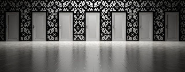 doors-1767559_640