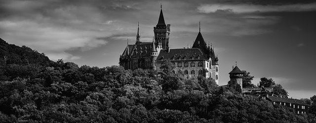 castle-1119318_640